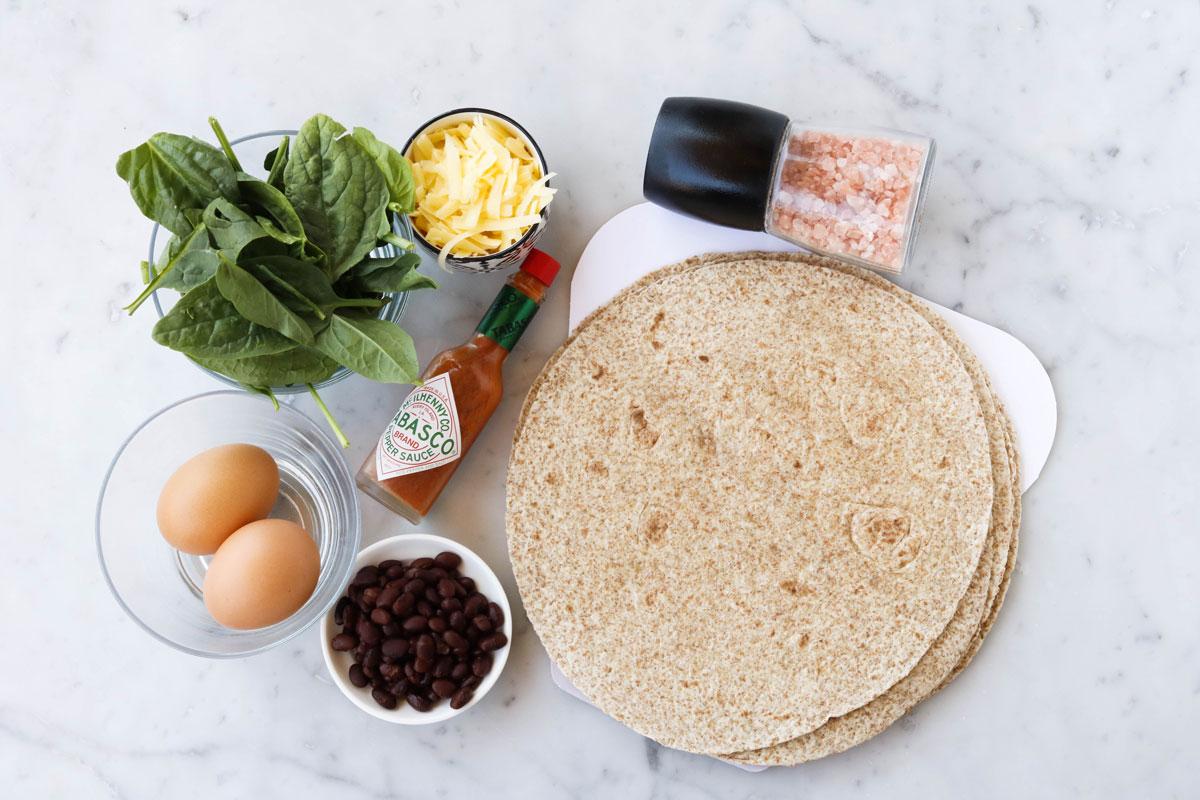 Кесадилья с омлетом и фасолью