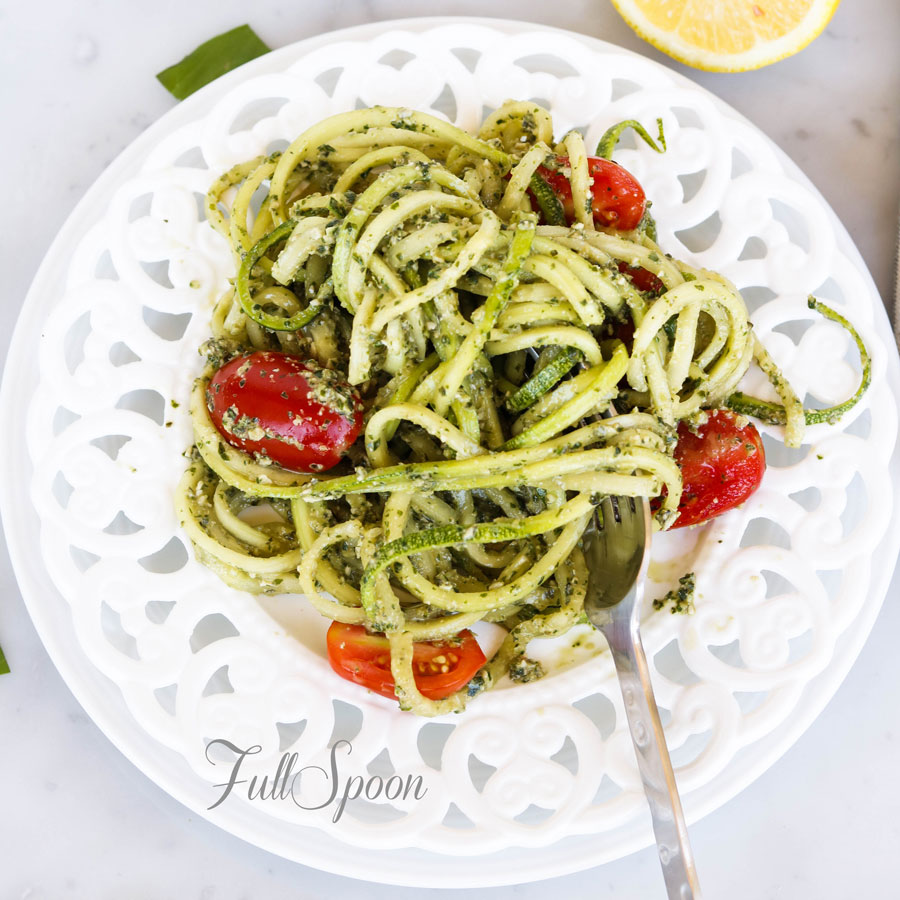 Спагетти из цукини с песто