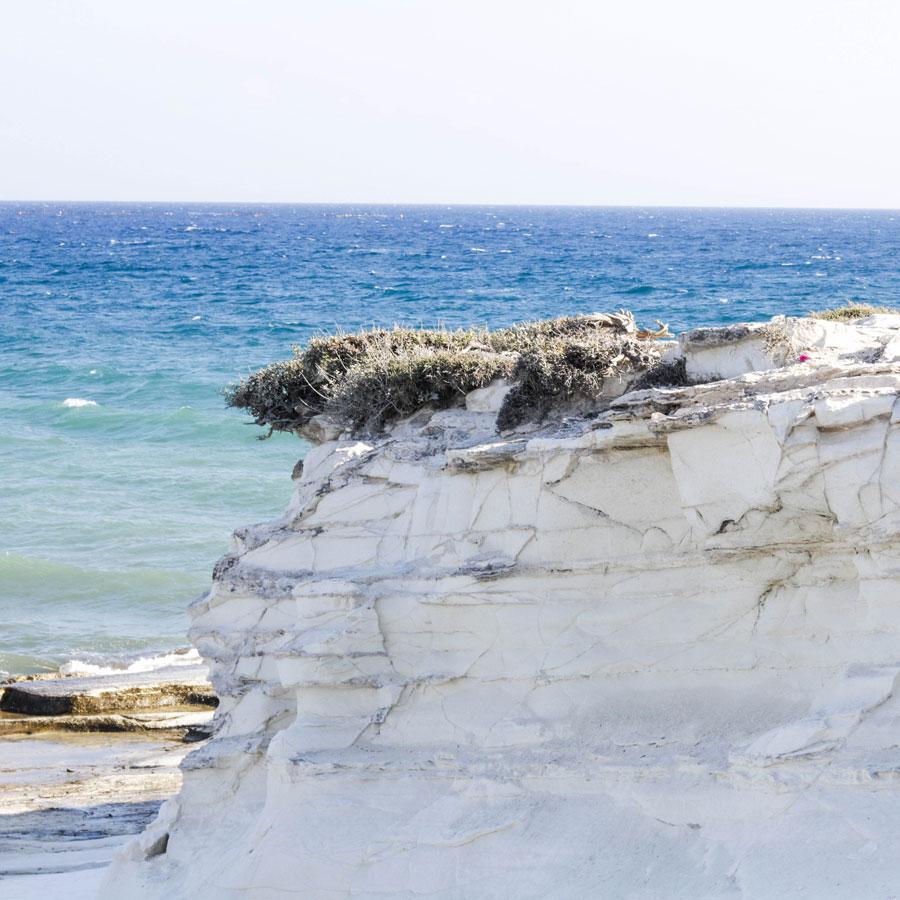 Белые камни (скалы)