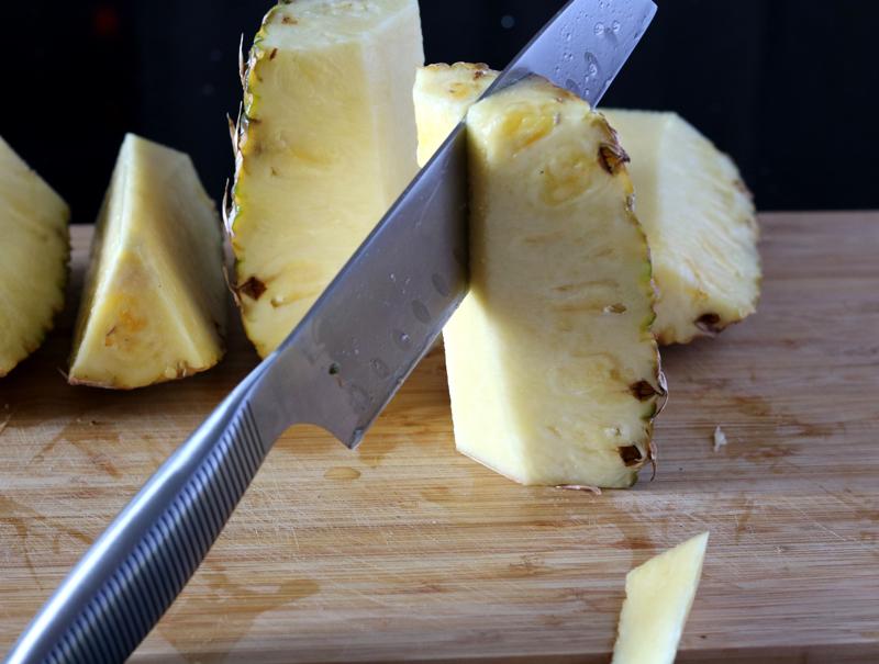 Как очистить и нарезать ананас?