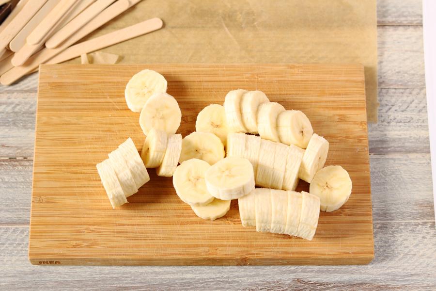 Банановые конфеты на палочке