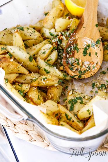 Ароматный запеченный картофель с миндалем