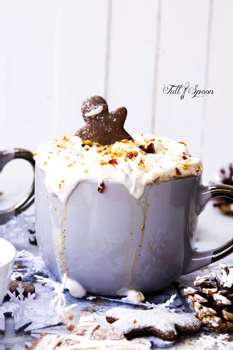 Пряный горячий кофе