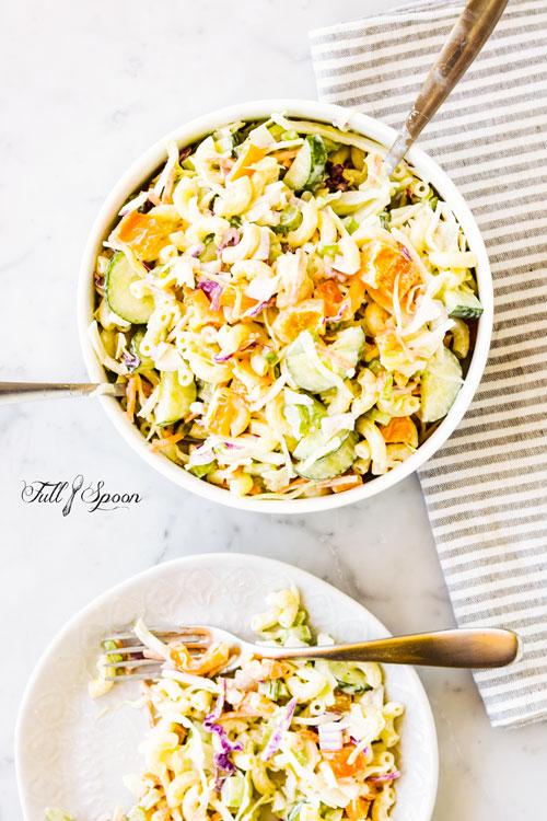 Салат из пасты с капустой